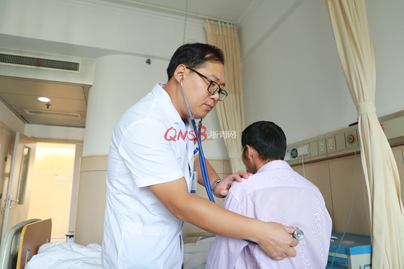 <b>杭州60岁男子吃止痛药后,早上吐咖啡色液体,下午吐血块……</b>