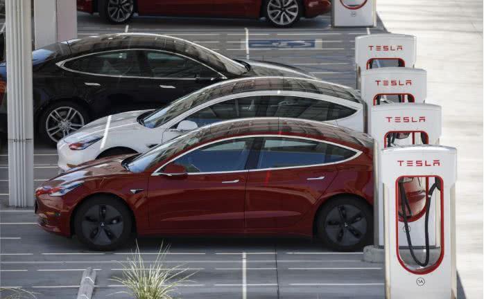 """特斯拉ModelS被誉为美国的新""""梦想之车"""""""