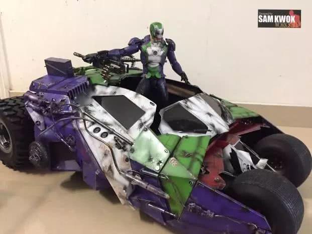 模玩控:钢铁侠叛变?小丑配色驾驶蝙蝠车的钢铁侠