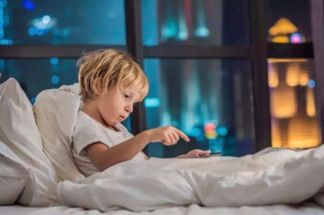 为了孩子好,在这个年龄就要分房睡,不然孩子长大你会后悔的
