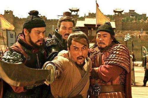水浒传中,林冲要杀高俅,在旁边的鲁智深为什么不帮忙