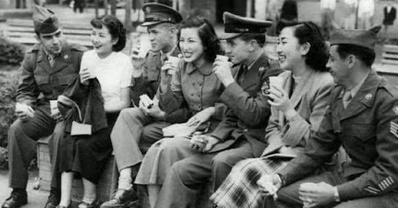 二战时期的日本女人到底有多坏看后才明白,原子弹下真的无冤魂!