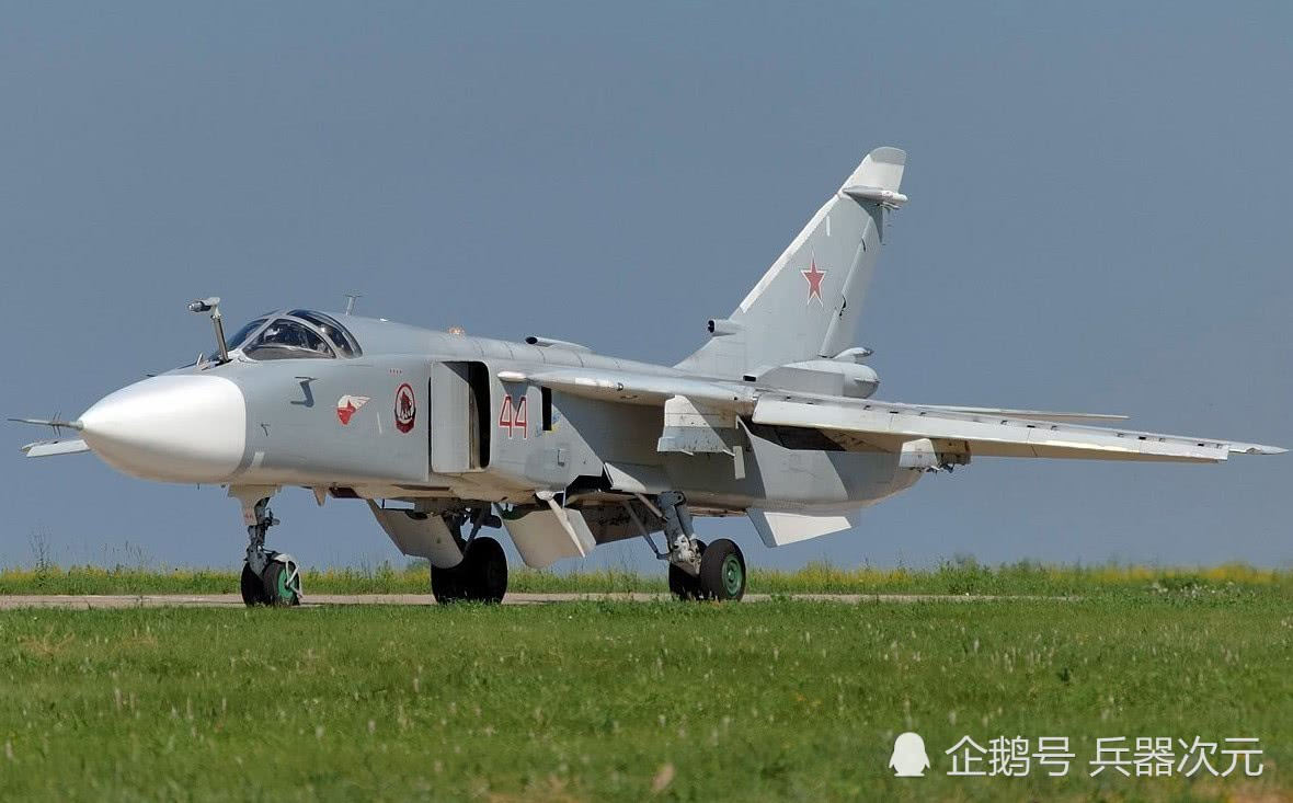土耳其拒绝投降,20枚俄军导弹从天而降,大批士兵向叙利亚举手