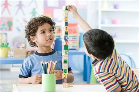 玩是孩子的使命!别总限制孩子玩,会玩的孩子未来会发展得更好