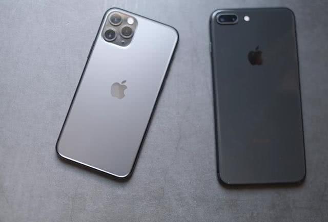 """库克""""疯狂""""推iPhone11Pro,手中的8P该不该丢掉?我劝你住手"""