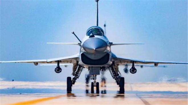 民航飞机上有雨刷,战机开始有后来为何取消了真的不需要吗