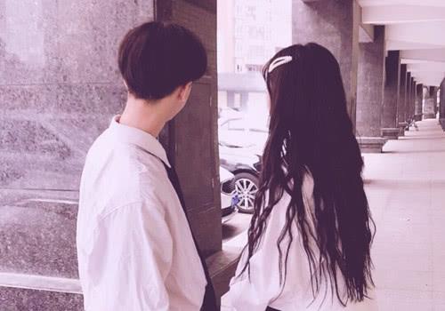 在爱情里,过于在乎对方的感受,也是一种折磨