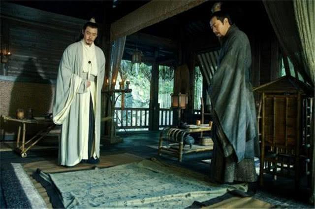 诸葛亮遇到刘备,提出《隆中对》,为何却败给了鲁肃的《塌上对》
