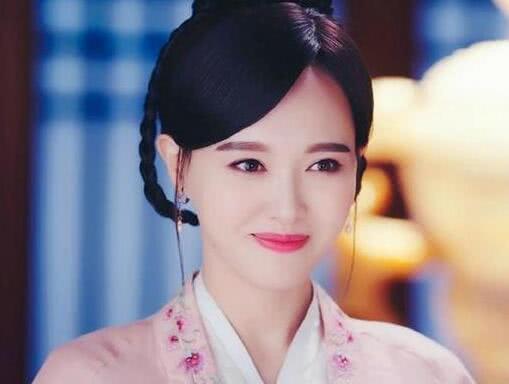 穿粉衣最美的10大女星,唐嫣林心如王艳贾静雯赵雅芝,你喜欢谁