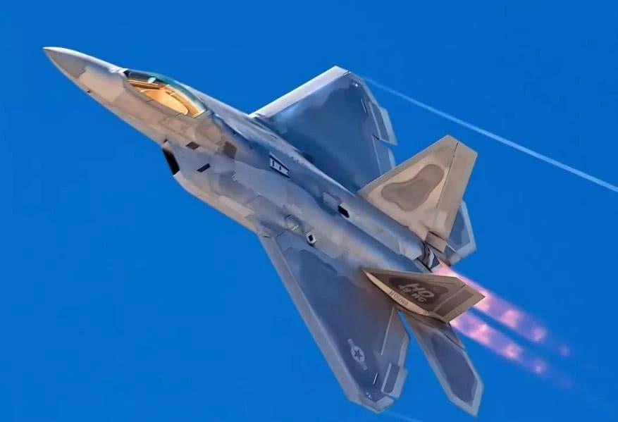 美国F22综合性能明显强于F35,为什么美军最后选择F35!