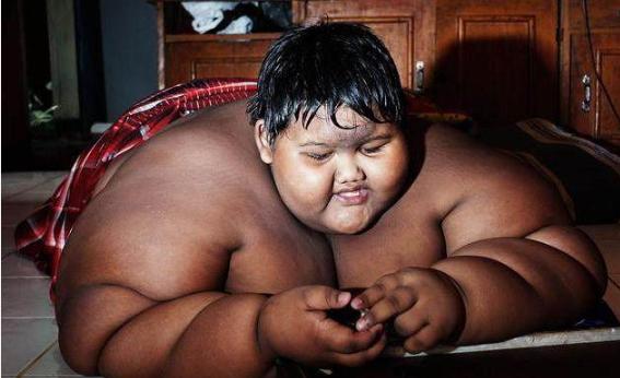 当初8岁就重达400斤的少年,如今13岁了,他现状如何?