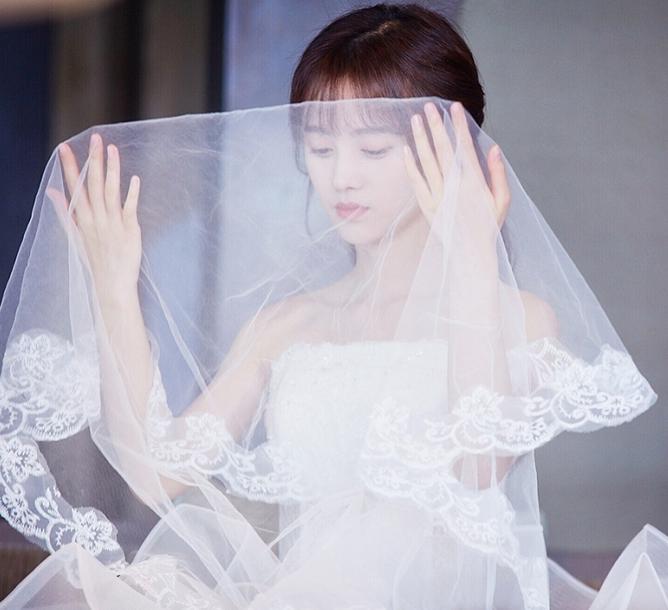 本以为鞠婧祎穿婚纱够美了,看到欧阳娜娜穿婚纱:妈,我要娶她!