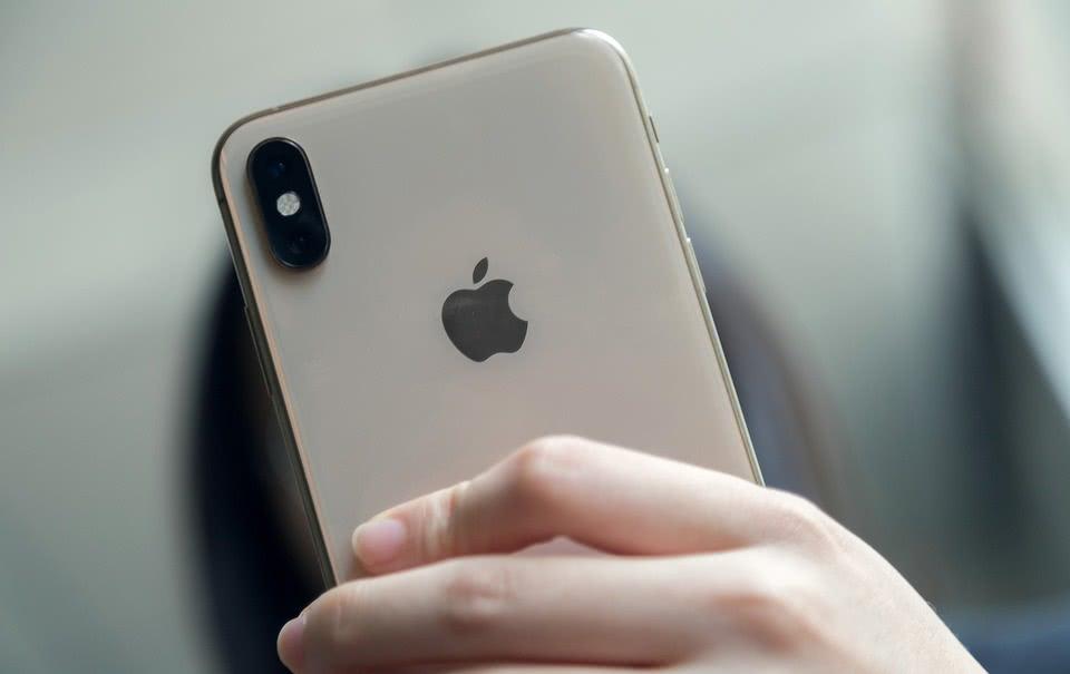 iPhone为何被疯狂吐槽?精明的库克,让闪存变为赚钱利器!