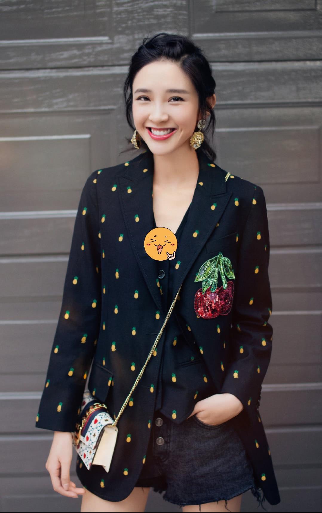 """张若昀终于给备忘录女孩穿上""""樱桃装""""了,这狗粮我吃得真开心!"""