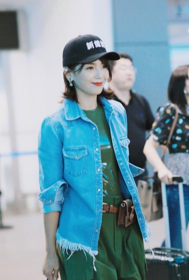 """皮裤皮裙很常见,但刘涛的""""皮T恤""""第一次见,土到极致就是潮?"""