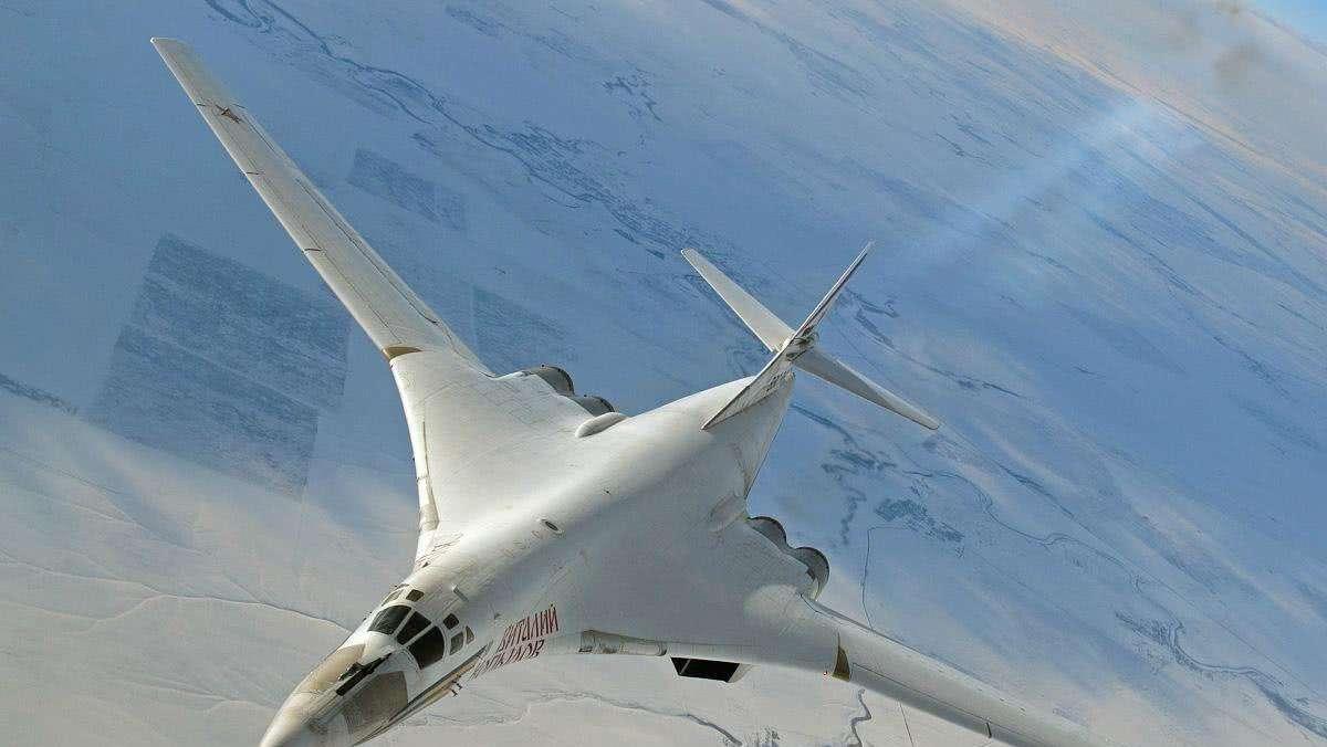 俄终于等到了!全球最强轰炸机揭开神秘面纱,载弹量比轰-6K大三倍