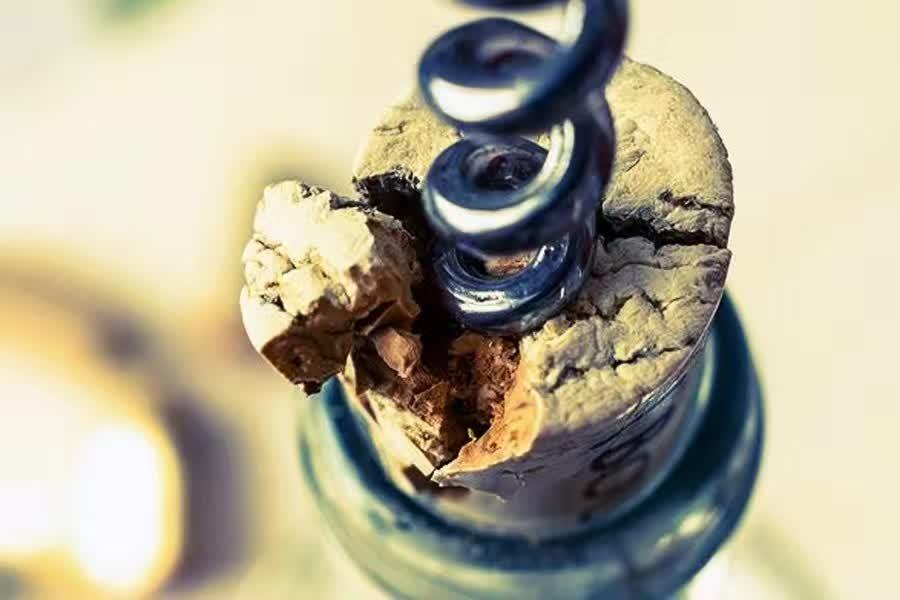 葡萄酒瓶塞开断了,咋整? - 红酒百科全书 - 红酒百科全书