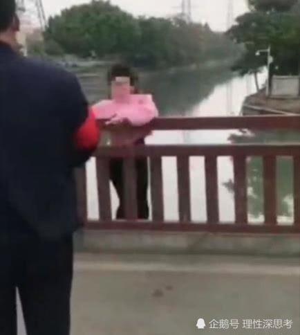 官方辟谣女子未戴口罩被阻拦跳河,网友表示,请戴好口罩出门