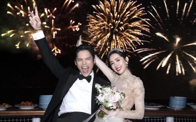 向佐与郭碧婷庆祝恋爱一周年,被调侃他们应该感谢综艺节目的见证