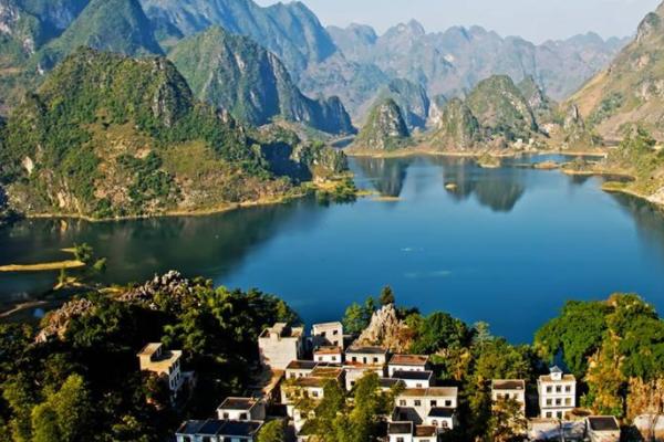 广西隐秘湖泊,堪比桂林山水,很多人都不知道!