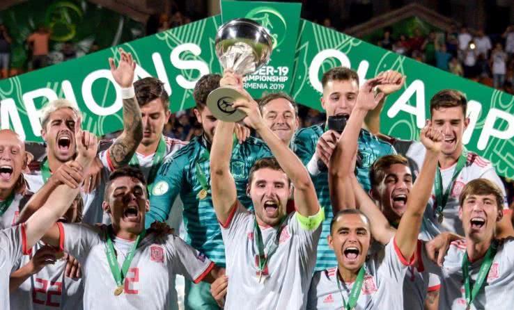 西班牙足球盛世降至:1个月2次登欧洲之巅!巴萨皇马疯狂造星