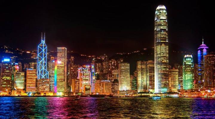 反暴力、救香港,让更多的沉默者站出来发声