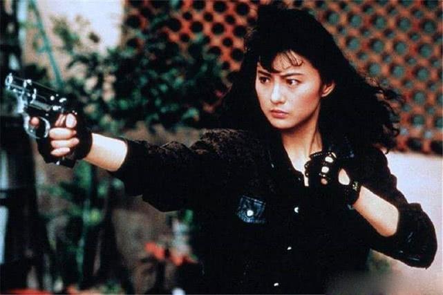 被年轻时的李赛凤惊艳到了,旷世美颜人人想娶,今54岁认不出了