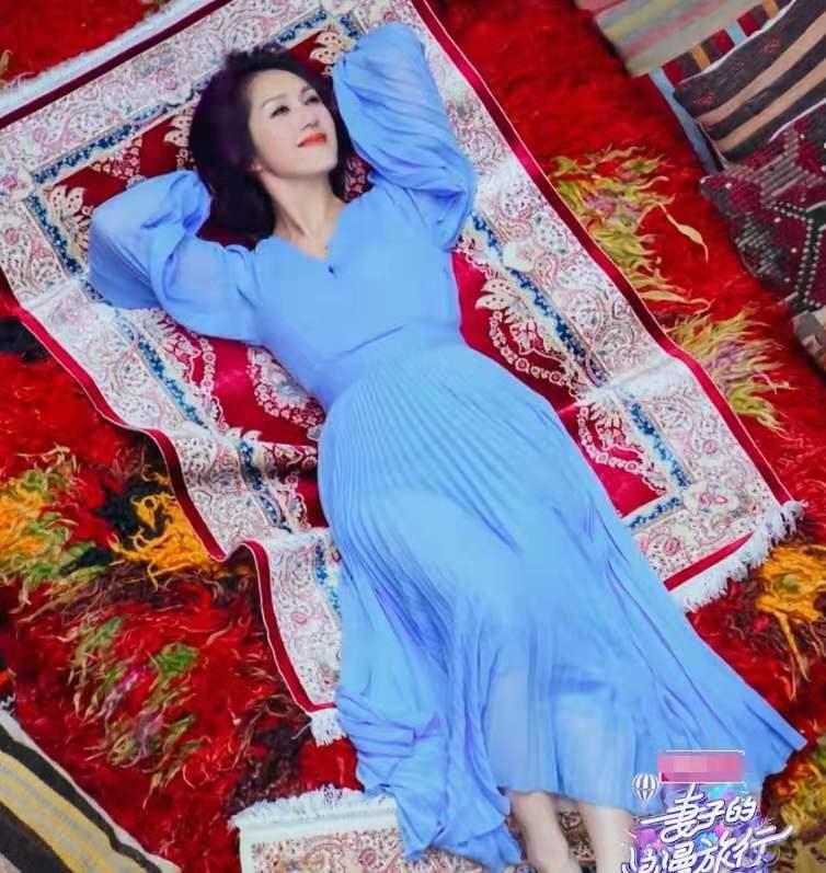 妻子团地毯屋摆拍,同一块地毯,却拍出了大片的感觉