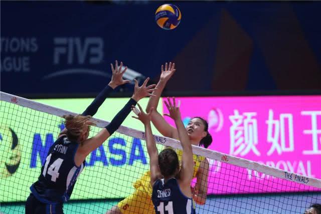 女排迎来最关键战役!惠若琪另类复出助阵,东京奥预赛做重大调整