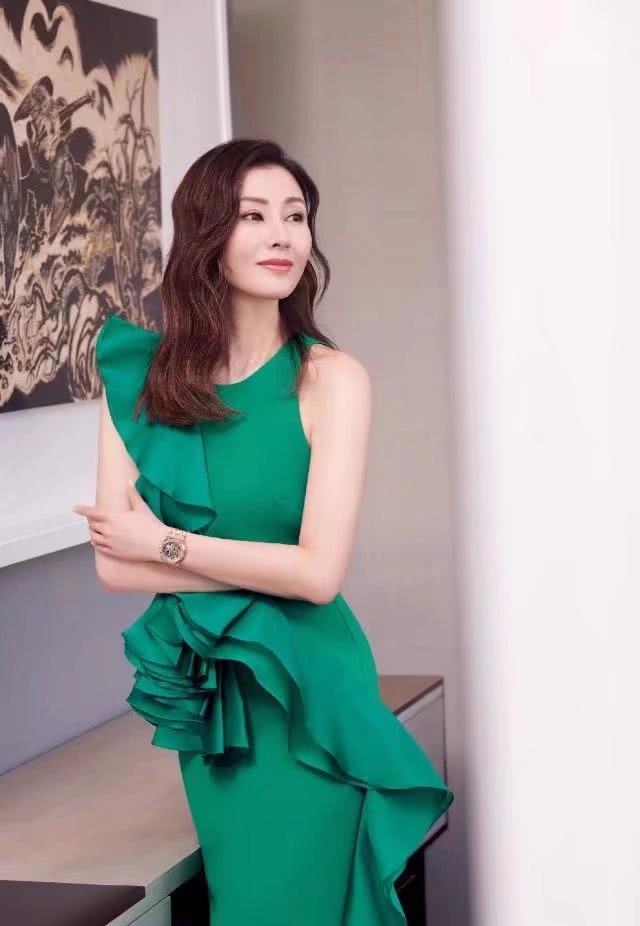 49岁李嘉欣携于正拍新戏!息影十年演绎绝美杨贵妃却东施效颦