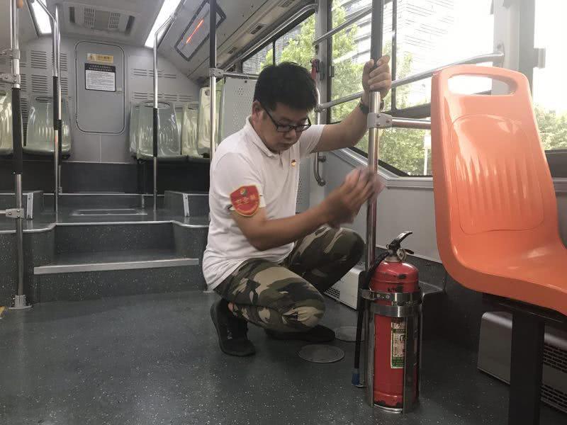 """郑州公交大变样!再坐公交看看他们有没有践行""""提升标准""""!"""