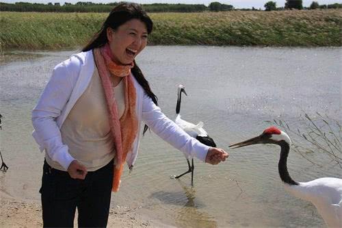 <b>她是国家一级演员,因演《刘老根》爆红,家庭恩爱生活让人羡慕</b>