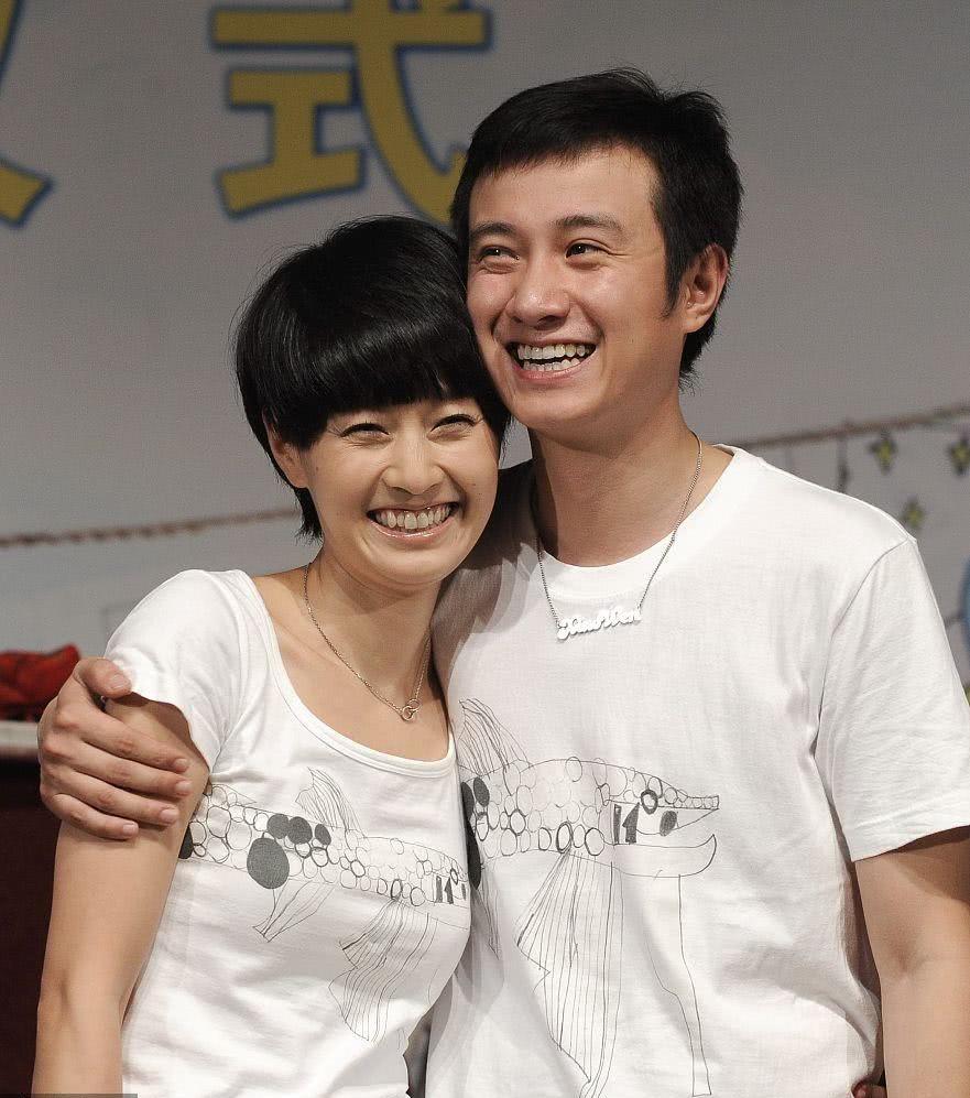 马伊琍、文章宣布离婚结束10余年婚姻 昔日甜蜜瞬间已成往事