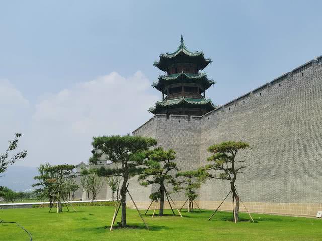 烈日炎炎暴走十公里,探访太原古县城,大兴土木今年开园有难度