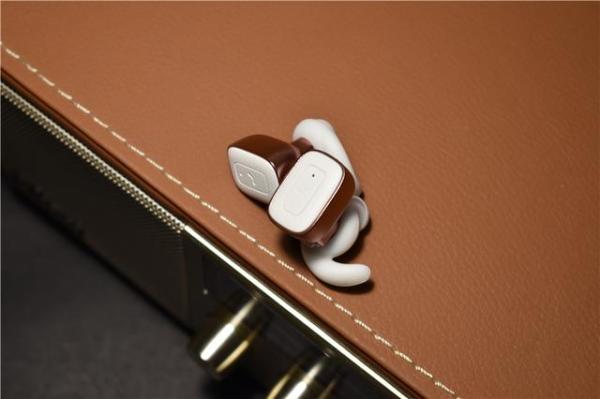 无线+蓝牙+双耳立体声,最方便的运动耳机理应如此