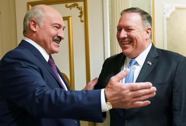 美国很远而俄罗斯很近,卢卡申科最终选择了普京