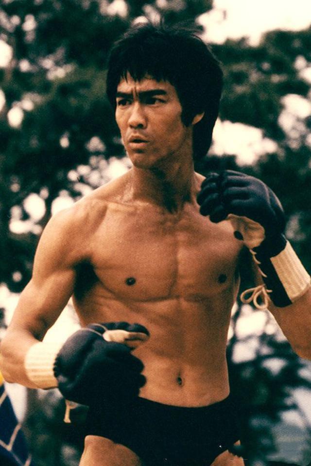 MMA之父李小龙打UFC会第一吗?专家:他无法迈入职业格斗圈