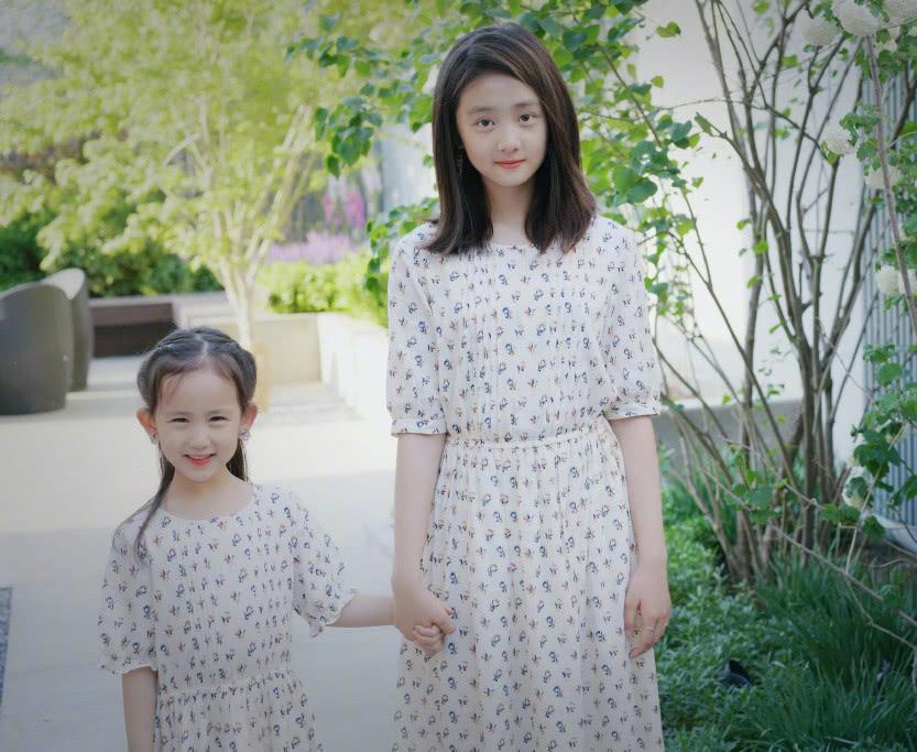 黄磊小女儿尿床,爸爸回答了她的疑问后,妹妹无比崇拜!
