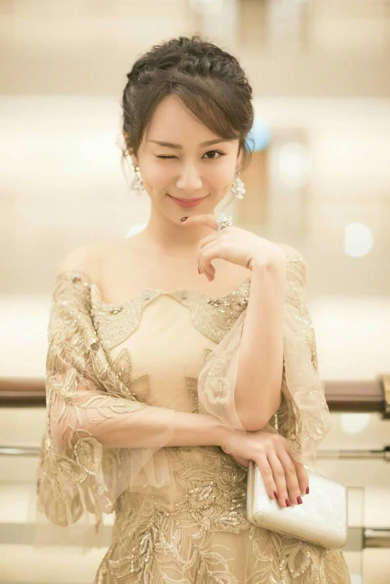 杨紫新剧热度高,好感度上涨演技受好评,她会是第二个赵丽颖吗?