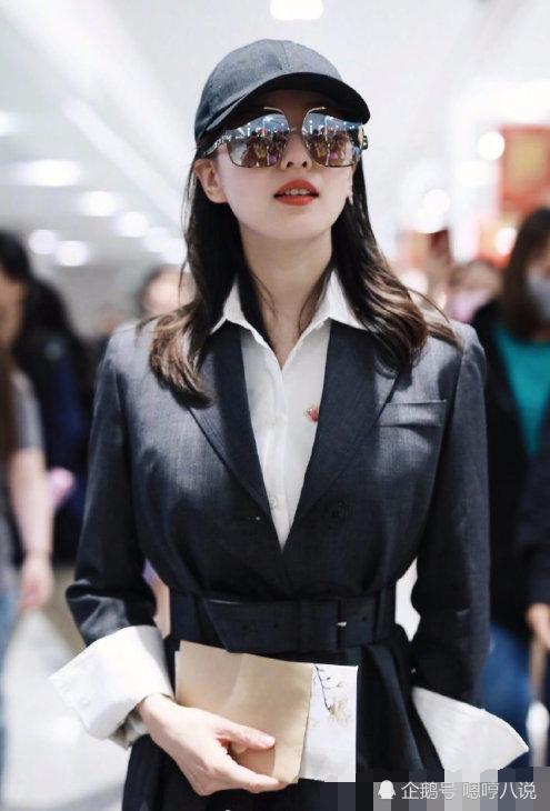 刘诗诗产后复出太亮眼,一身高级感,但看到衣服价格后网友扎心了