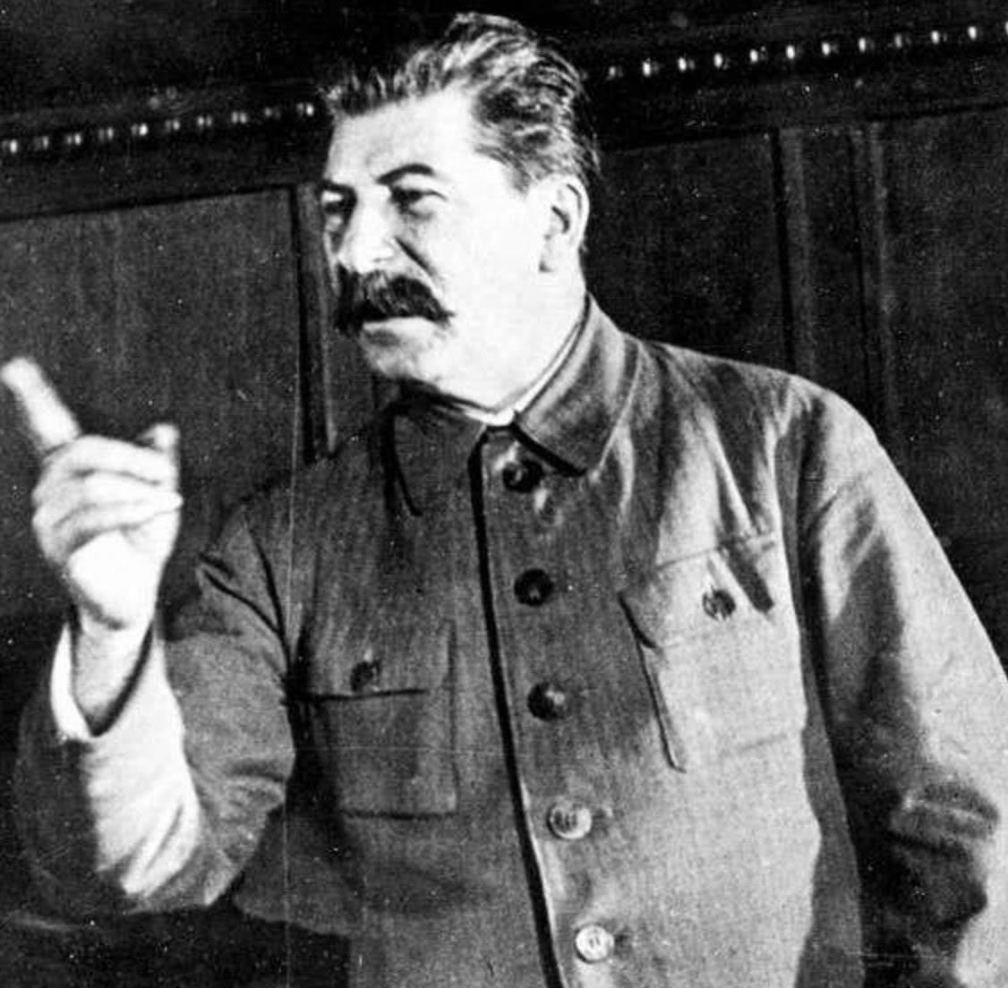 苏联的等级官员名册本意是好的,斯大林却用它来贿赂,控制官员