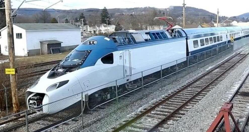 美国推出新一代高铁,美网友:在华不配被称为高铁,应请中国来建