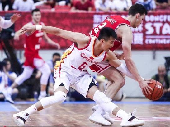 中国男篮惨负仍双喜临门!李楠早有2大法宝握手中,1人即将离队
