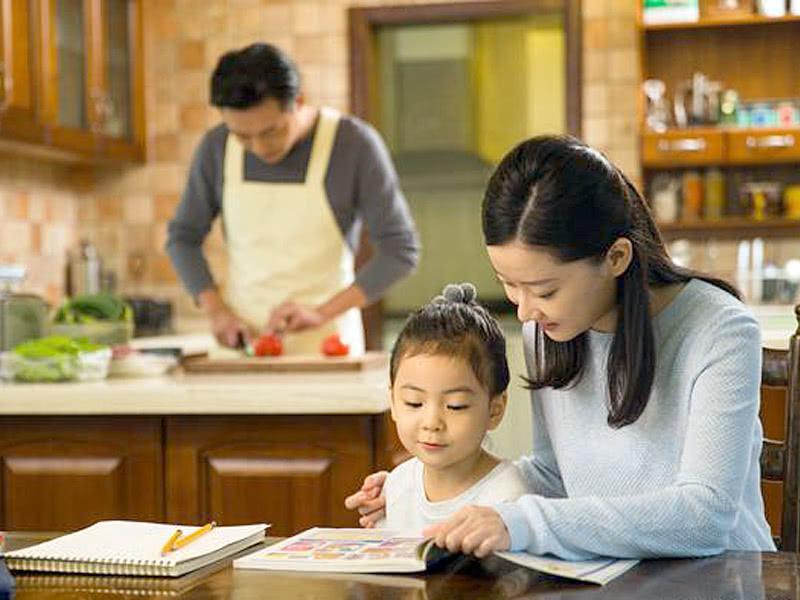 """<b>管教孩子不是发脾气,父母应培养孩子""""同理心"""",教养孩子并不难</b>"""