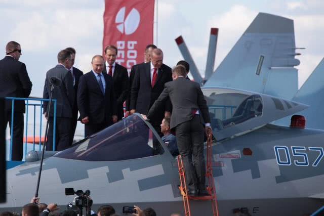 普京当场推销,苏-57首个海外客户是美国盟友?特朗普要紧张了