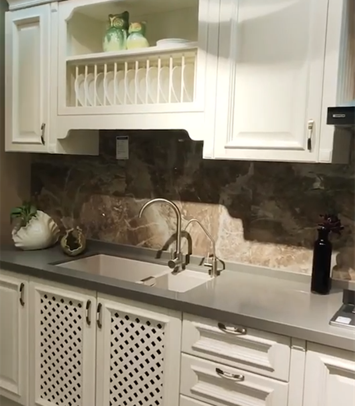 一字厨房这样设计好看又实用,简约干净整洁,做饭也是一种享受