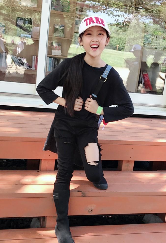 《我们的少年时代》果果一长高,就穿毒汁裤配中靴,秀儿都没她潮