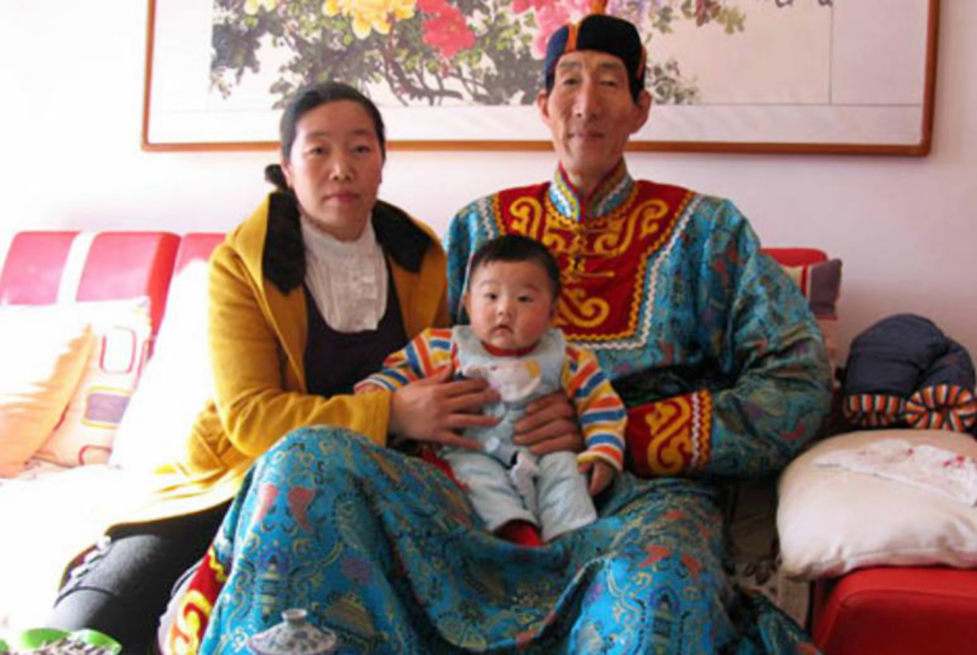 """The No. 1 Giant in China"""" Bao Xishun insisted on giving birth despite the doctor""""s dissuasion, and now still wants a second child 