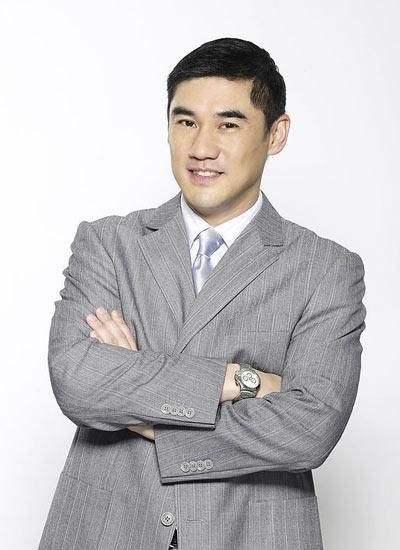 52岁吴大维透露已经结婚,老婆是台湾人,性格强势能压得住自己