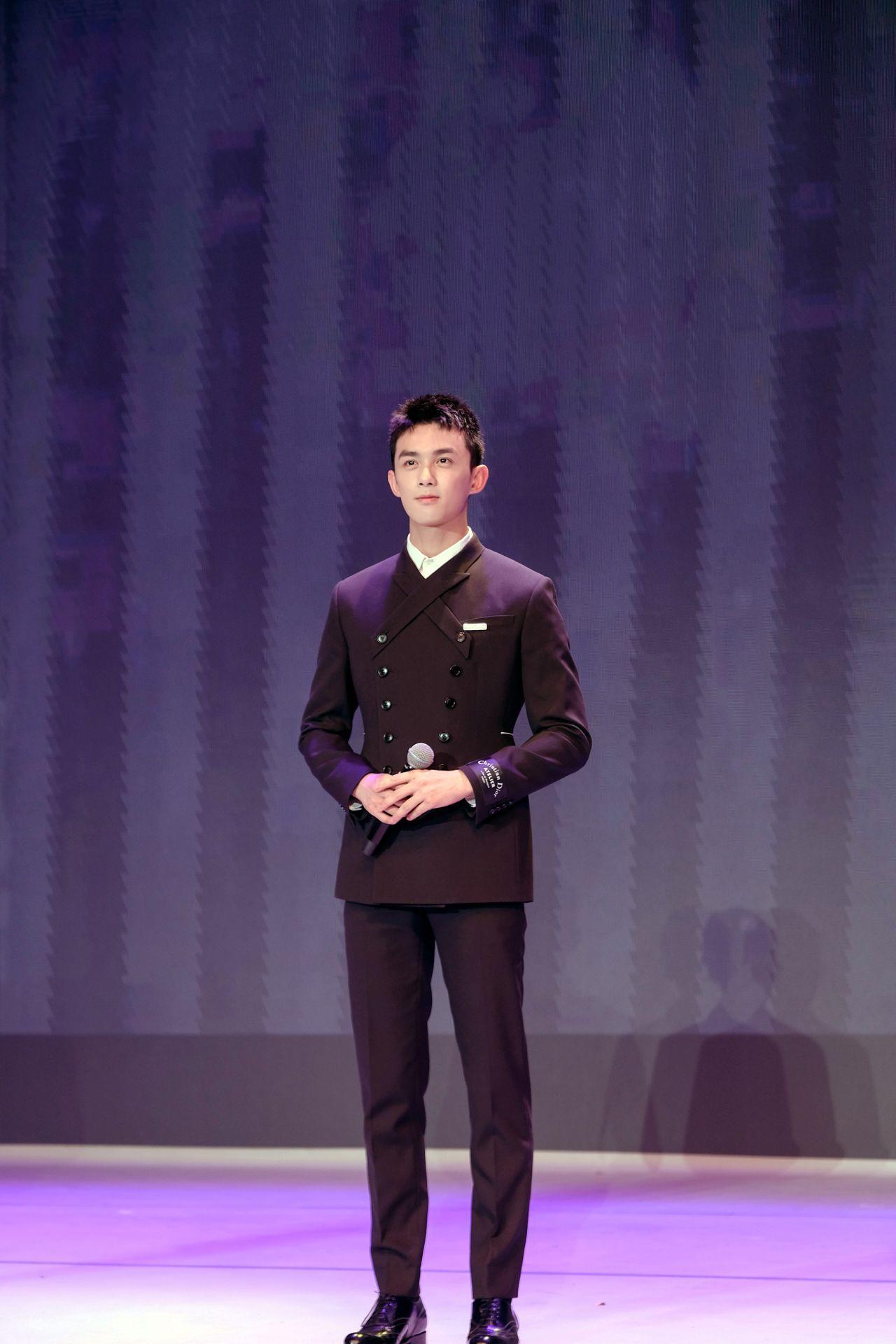 吴磊不仅长得帅,歌唱的也很赞 网友:内外都佳的实力男